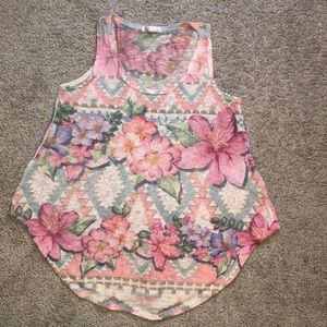 Tops - Floral knitted tank top